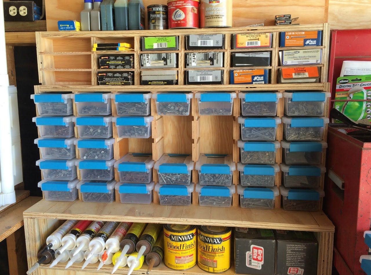 Guidelines For Choosing The Right Storage Containers